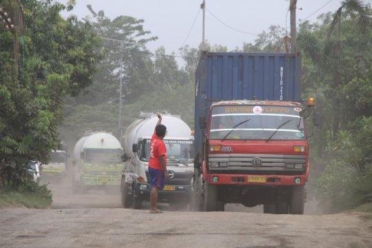 Pemkab Sidoaro janjikan perbaiki jalan Bulang-Prambon tahun 2019