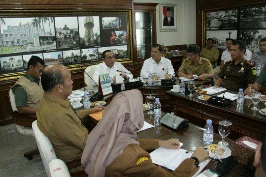 Gubernur minta air bersih di area relokasi Sinabung terjamin
