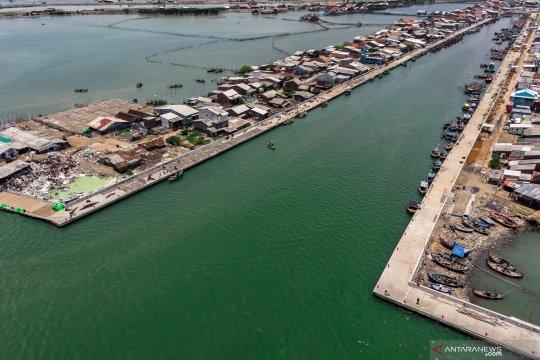 Proyek pengembangan kampung bahari Tambaklorok