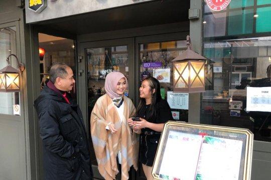 """Menpar kunjungi tiga restoran """"Wonderful Indonesia"""" di Paris"""