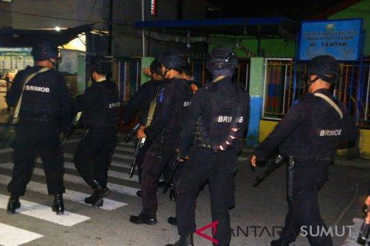 Polisi sterilisasi lokasi ledakan rumah terduga teroris