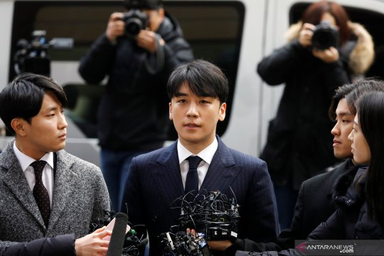 Polisi interogasi Seungri dan Jung Joon-young