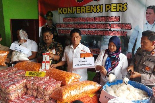 Polda Jatim bongkar industri makanan ilegal