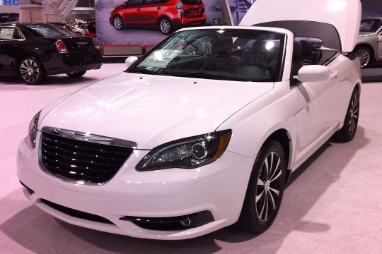 Tidak penuhi standar emisi, Fiat Chrysler tarik 862.520 mobil di AS
