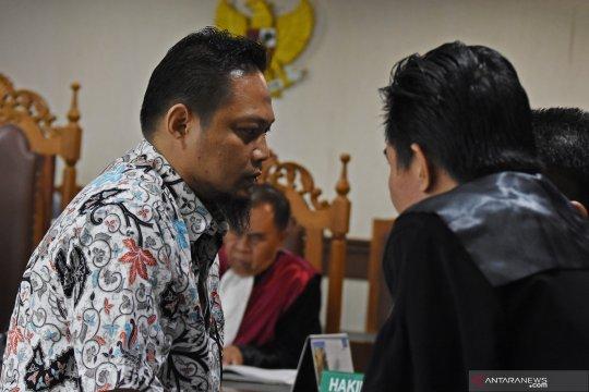 Panitera pengganti pengadilan Medan divonis 7 tahun penjara