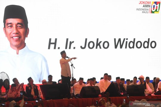 """Joko Widodo hadiri """"Doa Satukan Negeri"""" di Medan"""