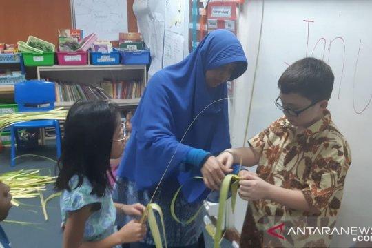 Minat siswa JIS pelajari tari tradisional Indonesia sangat tinggi