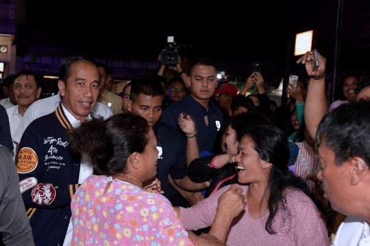 Jokowi serahkan 2.000 KIP di SMKN 1 Balige