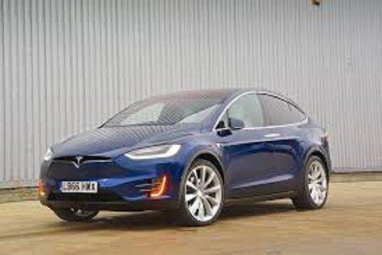 Mobil baru Tesla diproduksi di Shanghai