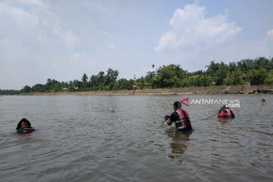 Dua korban hanyut Sungai Rokan dicari tim SAR dengan sistem paralel