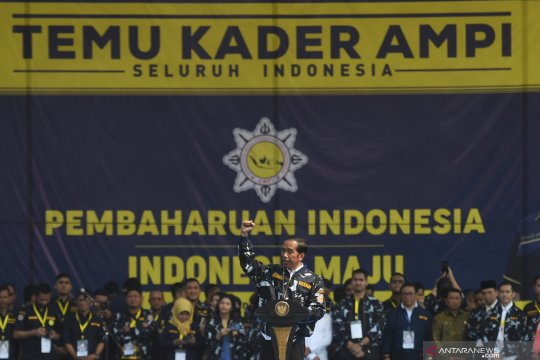Joko Widodo minta AMPI garda terdepan tangkal hoaks