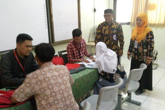 Bank DKI distribusikan KJP Plus bagi warga Kepulauan Seribu