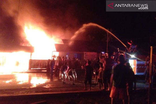 20 ruko terbakar di Simeulue Aceh, 21 keluarga mengungsi