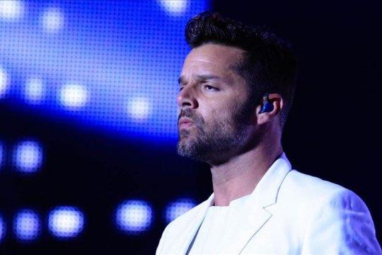 Ricky Martin kecam standar ganda media soal penembakan Selandia Baru