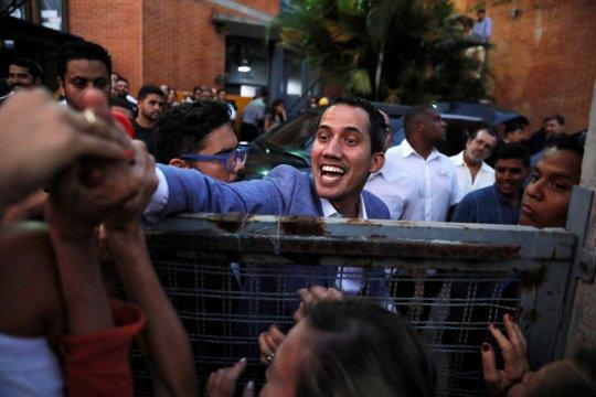 Badan Intelijen Venezuela culik kepala staf Juan Guaido