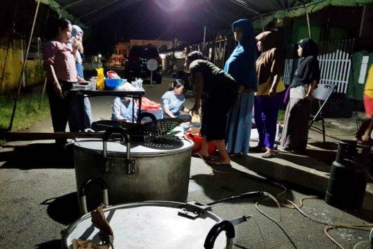 Persit Korem buka dapur lapangan pengungsi banjir bandang Sentani