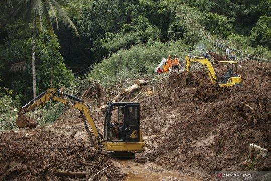 Pencarian korban tanah longsor di Imogiri