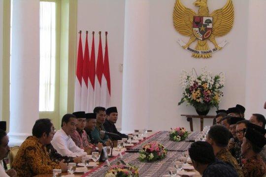 Presiden Jokowi terima pimpinan FBR di Istana Bogor