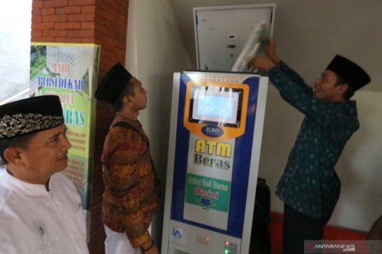 ATM Beras Untuk Warga Miskin Page 1 Small