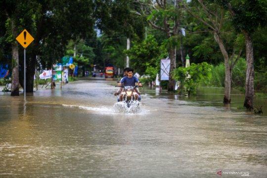 Legislator desak DPUPKP memperbaiki tanggul Sungai Serang