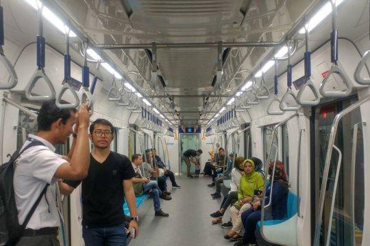 Penumpang MRT tidak keberatan tarifnya Rp8.500