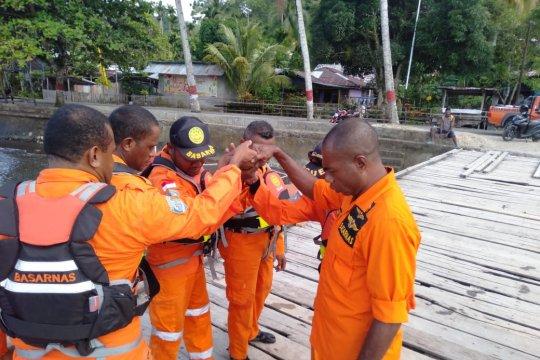 KM Sarirah yang hilang masih terus dicari pos SAR Serui-Papua
