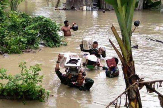 Dua posko korban banjir Jayapura dibuka UP2KP