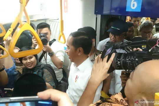 Presiden Jokowi coba MRT Jakarta