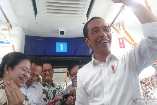 Presiden harapkan pengguna kendaraan beralih ke transportasi massal