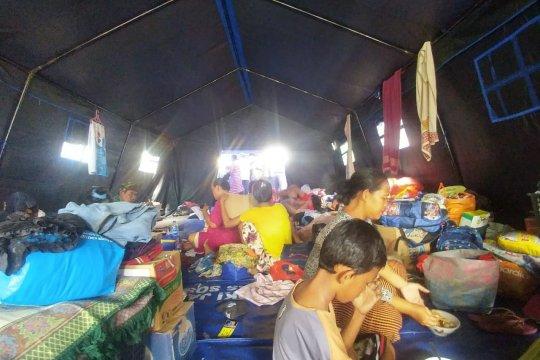 Pengungsi korban kebakaran Krukut berharap bisa beraktivitas kembali