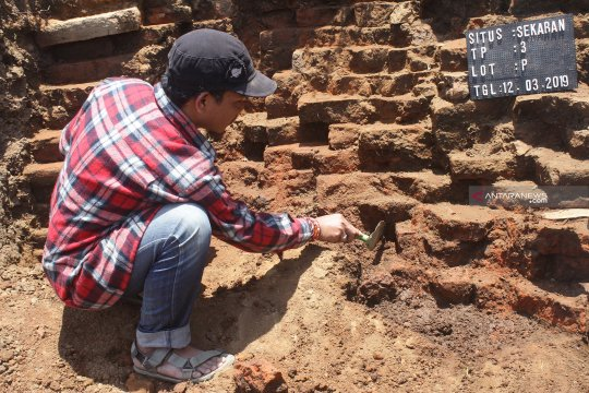 Situs Kuno tol Malang-Pandaan diprediksi kompleks bangunan peribadatan