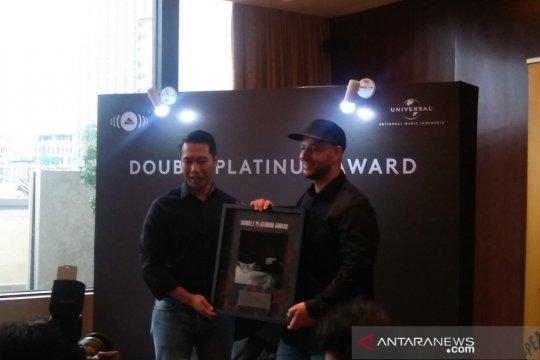 Album Maher Zain raih double platinum di Indonesia