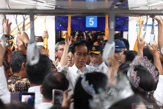 Presiden Jokowi naik MRT