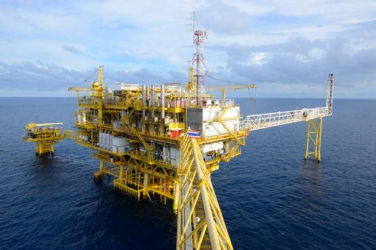 Harga minyak naik tipis karena pengetatan pasokan global