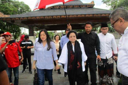 Megawati ziarah makam Bung Karno