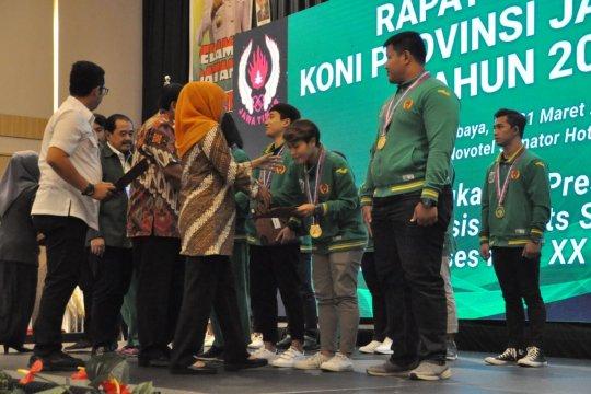 Gubernur Jatim beri beasiswa pada 180 atlet berprestasi