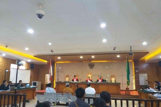 Hakim konfirmasi Aher tentang pertemuan dengan Neneng di Moskow