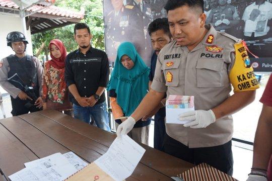 Polisi bekuk pasutri pelaku penggandaan uang di Trenggalek