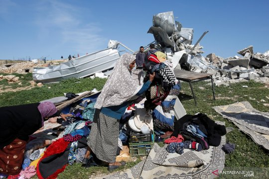 Pelajar sesak nafas karena hirup gas air mata di Nablus