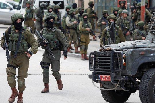 Tujuh orang Palestina dari Tepi Barat ditahan Israel