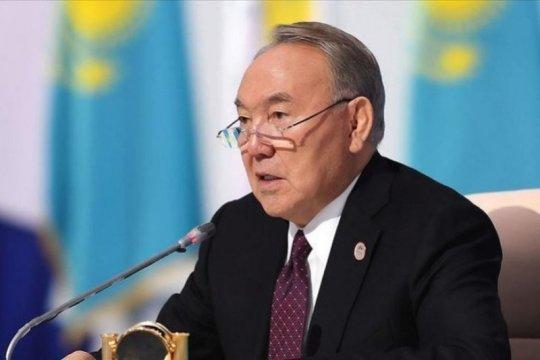 Mantan presiden Kazakhstan Nursultan Nazarbayev pulih dari COVID-19