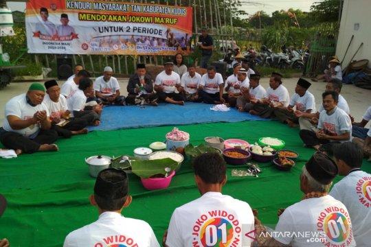 Seratusan petani Kudus menggelar kenduri doakan kemenangan Jokowi-Ma