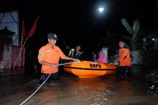 BPBD tangani tanggul jebol rendam rumah di Kabupaten Kediri-Jatim