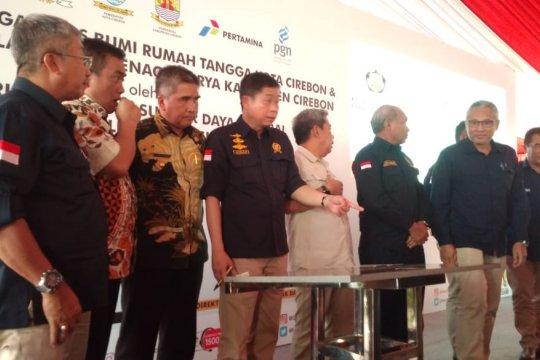 Jonan resmikan pembangunan PJU-TS di Cirebon