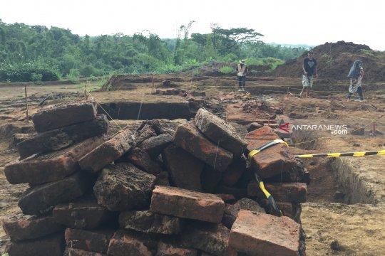 BPCB Trowulan temukan dinding pembatas di Situs Sekaran