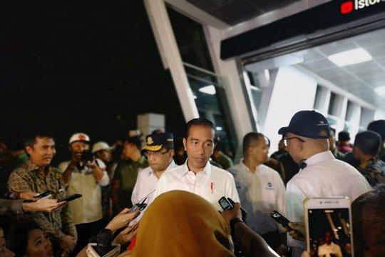 Presiden-Ibu Negara jajal integrasi Busway-MRT