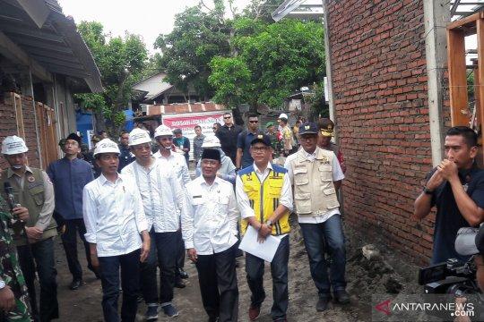 Jokowi blusukan di Pengempel tinjau rumah tahan gempa