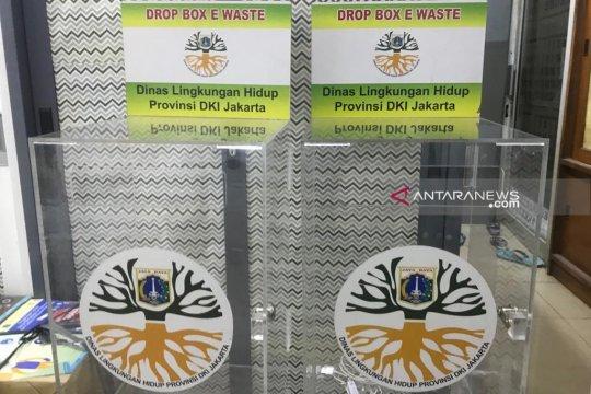 DLH akan tempatkan kotak sampah elektronik di enam halte Transjakarta