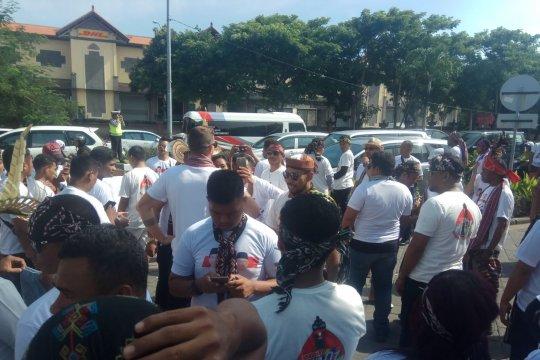 """Masyarakat """"Nyong Timor"""" sambut Presiden Jokowi"""
