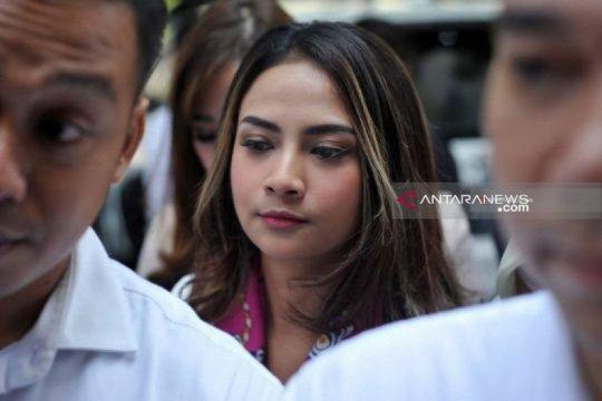 Vanessa Angel ditangkap saat bersama suami dan seorang berinisial CL